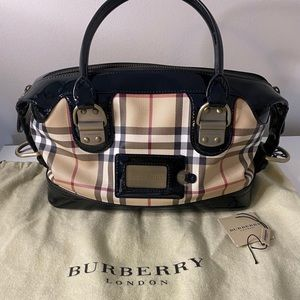 NEW WITH TAG BURBERRY LIMITED EDITION PURSE